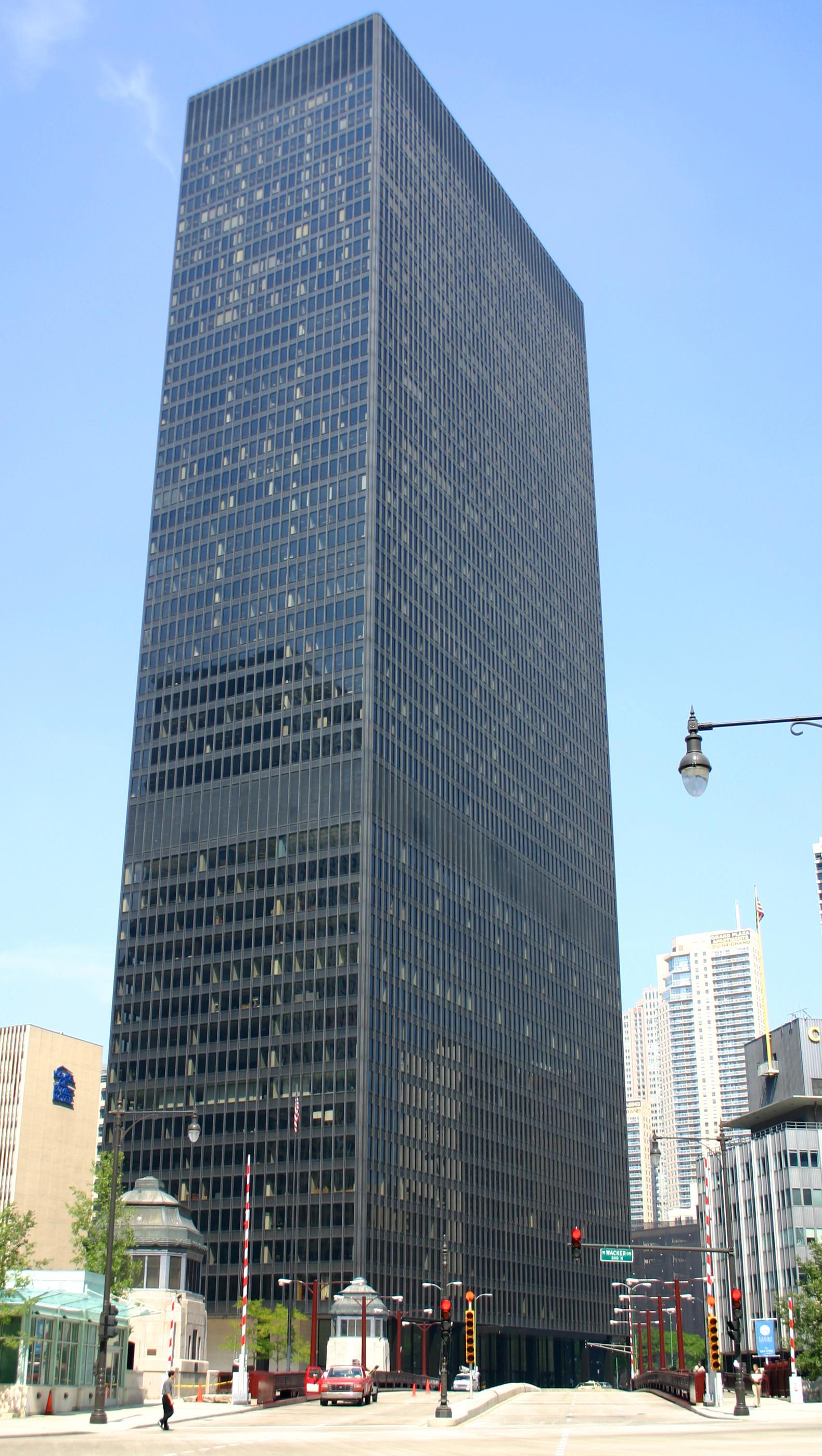 2004-09-02_1580x2800_chicago_IBM_building